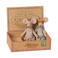 Mum & Dad Mouse in Cigarbox